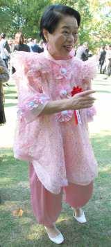 抑えめ?個性的な衣裳で登場した今くるよ=「第50回大阪市市民表彰」表彰式(C)ORICON NewS inc.