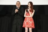 映画『劇場霊』のジャパンプレミアに出席した(左から)島崎遥香、中田秀夫監督