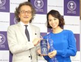 『第1回 ベストアロマニストアワード』でウェルネス賞を受賞したリヒト鈴木サチ (C)ORICON NewS inc.