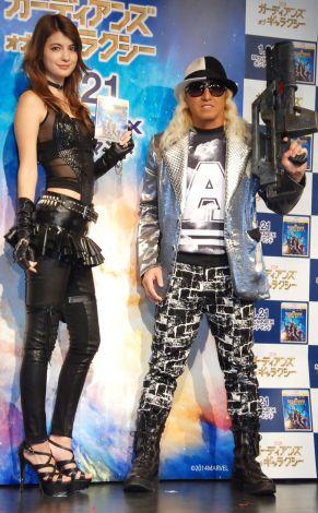 映画『ガーディアンズ・オブ・ギャラクシー MovieNEX』発売記念イベントに出席した(左から)マギー、DJ KOO (C)ORICON NewS inc.