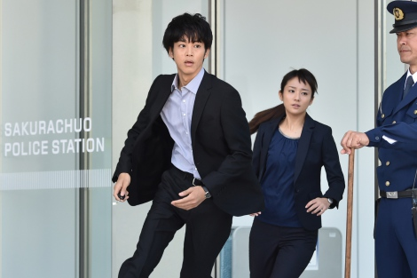 関西テレビ・フジテレビ系ドラマ『サイレーン 刑事×彼女×完全悪女』第3話(11月3日放送)より(C)関西テレビ