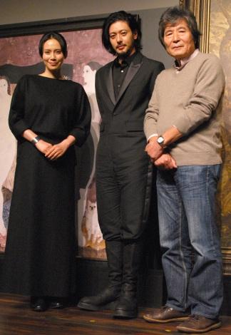 映画『FOUJITA』×美大生ティーチインイベントに登壇した(左から)中谷美紀、オダギリジョー、小栗康平 (C)ORICON NewS inc.