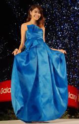 「アナ雪」をイメージしたブルーのドレス=『六本木ヒルズ クリスマスイルミネーション点灯式 2015』 (C)ORICON NewS inc.