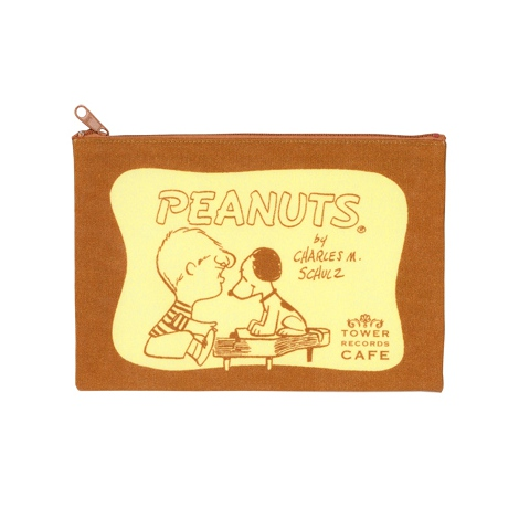 『スヌーピー × TOWER RECORDS CAFE ポーチ』(税抜価格:600円) (C)2015 Peanuts Worldwide LLC www.snoopy.co.jp