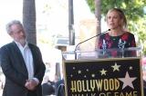 ハリウッドの殿堂入りを果たしたリドリー・スコット監督(左)、最新作『オデッセイ』に出演するクリステン・ウィグ(右) (C) 2015 Twentieth Century Fox Film Corporation. All Rights Reserved