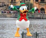 ドナルドがコミカルな掛け合いを繰り広げる『クリスマス・ウィッシュ』がスタート! (C)oricon ME inc.