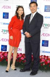 『いい夫婦 パートナー・オブ・ザ・イヤー 2015』の授賞式に出席した馳浩・高見恭子夫妻 (C)ORICON NewS inc.