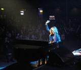 YOSHIKIが『第11回クラシック・ロック・アワード』で日本人初パフォーマンスを披露