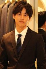 ドラマでもおなじみになったスーツ姿とファッションについて語る松坂桃李