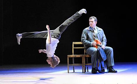 ミュージカル『ビリー・エリオット』の日本公演がついに決定(C)Pictures from the London cast of Billy Elliot the Musical
