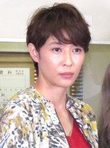 田畑智子に調理のアドバイスをした水野美紀 (C)ORICON NewS inc.