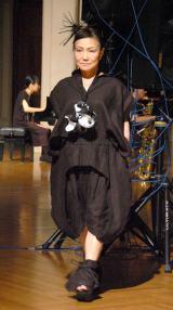 初めてファッションショーに挑戦した末成由美 (C)ORICON NewS inc.