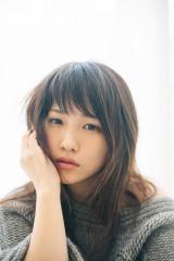 ファーストフォト&エッセイ『これから』を発売する川栄李奈 (C)幻冬舎