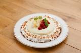 千葉・ららぽーとTOKYO-BAY店限定の『洋梨とラズベリーのパンケーキ』