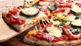 ピザ作りに欠かせないトマトソースとチーズには美容に嬉しい栄養素が含まれてるんだとか