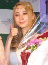 3rdアルバム「f」発売記念ミニライヴ&サイン会を開催したサラ・オレイン (C)ORICON NewS inc.