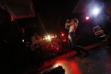 24年ぶりのライブハウス公演で熱演するX JAPAN(28日=宮城・石巻ブルーレジスタンス)