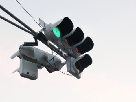思わぬ事故を避けるためにも、信号機の色や表示はしっかり確認することが大切