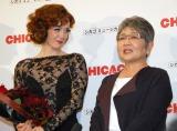 『マッサン』で共演した泉ピン子(右)のサプライズ登場に涙したシャーロット・ケイト・フォックス(左) (C)ORICON NewS inc.