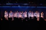 10年前は…劇場初日公演の模様 (C)AKS