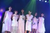 前田敦子ら卒業生たちも集結した『10周年記念特別公演』の模様 (C)AKS