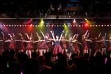 前田敦子、大島優子ら卒業生たちも集結した『10周年記念特別公演』の模様 (C)AKS