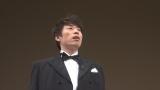 3回シリーズの2回目は12月11日放送。写真は道新ホールで指揮者の衣裳に身を包み、「北海道の有名人になりきった人」を待ち受ける淳(C)HBC
