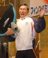 お馴染みのポーズも披露=『フィンスイミングジャパンオープンマスターズ大会』日本代表選出会見に出席したオードリーの春日俊彰 (C)ORICON NewS inc.