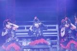 3度目ワールドツアー&初の東京ドーム公演が決まったBABYMETAL(左から)YUIMETAL、SU-METAL、MOAMETAL