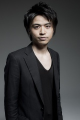 主人公・如月ハヤトを演じる長谷川芳明