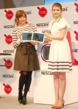 (左から)菊地亜美、マギー (C)ORICON NewS inc.