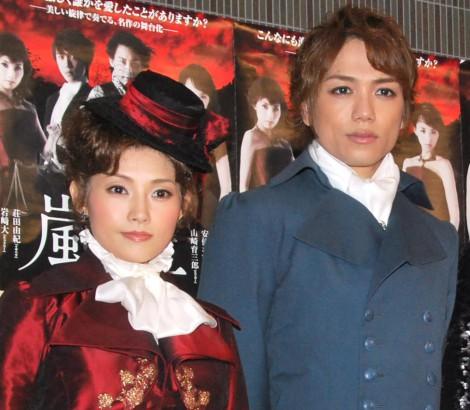 サムネイル 安倍なつみ&山崎育三郎(写真は2011年舞台共演時) (C)ORICON NewS inc.