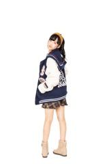 『LOVE berry Vol.1』(徳間書店)に登場する小栗有以(AKB48)