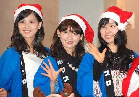 ホリプロクリスマスファンイベント『Silent Night ホーリーNight〜聖こない夜〜』に出席した(左から)佐藤すみれ(SKE48)、桃瀬美咲、真凛