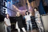 日本ガイシホール公演で新アルバム&ツアーを発表したSCANDAL(写真左から)TOMOMI、HARUNA、RINA、MAMI