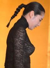 横から見ると…胸元がセクシーな衣裳で登場した長澤まさみ (C)ORICON NewS inc.