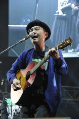 「COUNTDOWN JAPAN 15/16」に出演した向井秀徳
