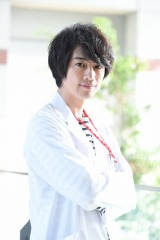 斎藤工扮する天才小児外科医・西條命が帰ってくる(C)テレビ東京