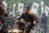 野営する徳川勢の陣営を物見に出た信繁は、徳川勢に見つかってしまい…(C)NHK