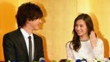 11日、都内で行われた結婚会見でハリー・ウィンストンの婚約指輪を披露した北川景子&DAIGO (C)ORICON NewS inc.