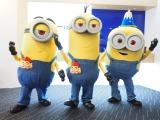 映画『ミニオンズ』の大ヒットと新年のあいさつを兼ねてミニオンが来社(左から)スチュアート、ケビン、ボブ (C)ORICON NewS inc.