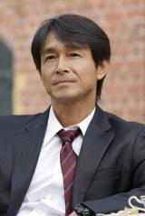NHKドラマ10『愛おしくて』に出演中の吉田栄作 (C)NHK