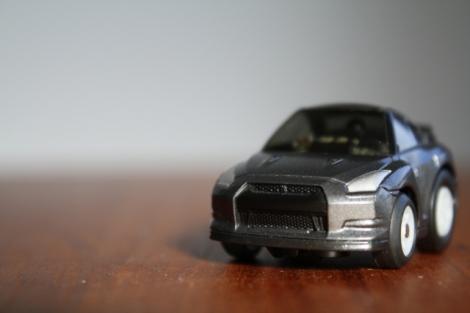 自動車保険は、ダイレクト型と代理店型の2つにわけられる。特徴を見て自分に合うほうを選ぼう