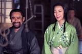 第1回では妻・松(信繁の姉/木村佳乃)のとなりで穏やかに笑っていた小山田茂誠(高木渉)だったが…(C)NHK