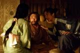 大河ドラマ『真田丸』第3回より。命からがら、妻・松のいる岩櫃城にたどり着いた小山田茂誠(高木渉)(C)NHK