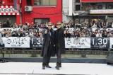 『さらば あぶない刑事』公開直前プレミアイベントの模様。ファンもサングラス姿で集結した