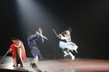 水樹奈々が二刀流で77人斬りの大立ち回り! Photo:hajime kamiiisaka