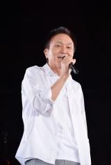 4月に自身初のオールタイムベストアルバムを発売する小田和正