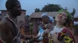 2月3日放送、テレビ東京系『今 知っておきたい 世界のキケン地帯に住む人々』西アフリカのトーゴでキケンな儀式に潜入したバービー