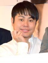 NON STYLE井上裕介がプリクラ機『HIKARI』とコラボ (C)ORICON NewS inc.